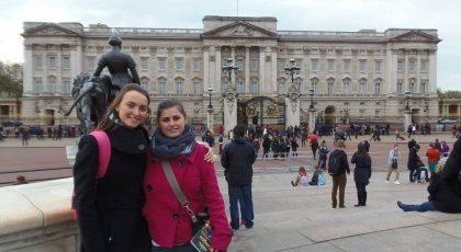 С Миленка пред Бъкингамския дворец