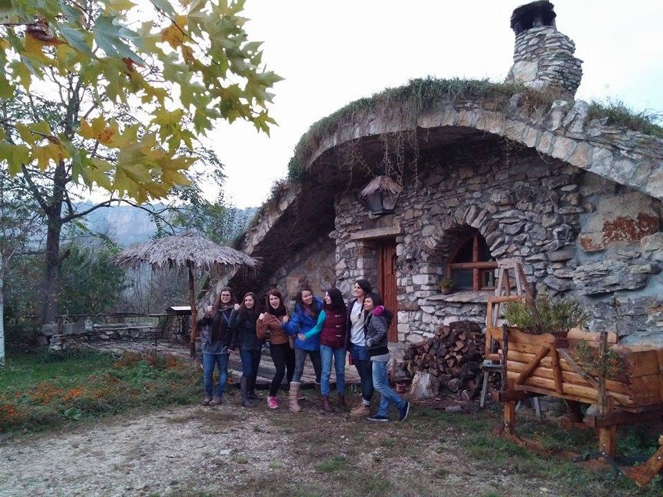 каменна къща